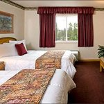 Deluxe Room: Gray Wolf Inn and Suites