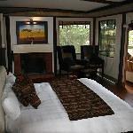 Ngerende Island Lodge Thumbnail