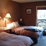 Emerald Lake Lodge Thumbnail