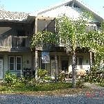 Longboard Inn Bed & Breakfast Thumbnail