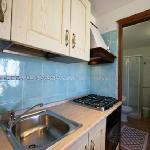 cucina e bagno del monolocale