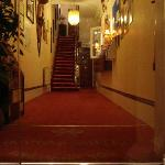 ingresso del manor hotel