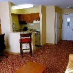 One bedroom suite/Living-room, kitchen