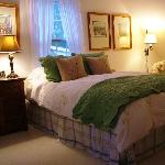The Colomen Gwen Guest Room - The Welsh Hills Inn - B&B Accommodations in Granville Ohio