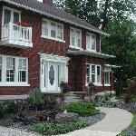 Enter the peace and tranqulity of Garden Manor B&B
