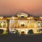 沙赫布爾飯店