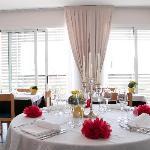 La sala ristorante vista mare