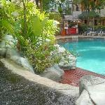 Outdoor Swimming pool & Jacuzzi