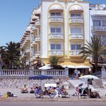 Hotel San Sebastian Playa Sitges - right on the beach