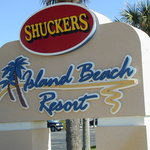 Stop when you see this sign for fine food & drink and a place to stay on the beach......Island B