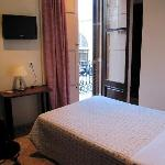 Hostal Orleans Room 209 interior