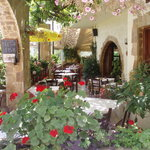 MANOLIS TAVERNA OLD VILLAGE