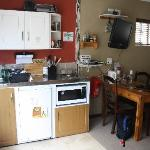 Kitchenette & Eating table