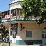 Flinders Hotel Motel