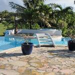 Accès au jacuzzi par la piscine