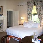humphrey pooley suite