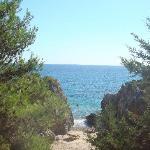 una delle cale che si possono trovare vicino alla spiaggia del villaggio