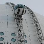 SkyView pod going up side of Ericsson Globe