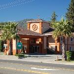 Travelodge Ukiah Exterior