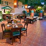 Towne Square Atruim Restaurant