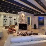 Main Lounge (29573055)