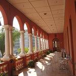 Hotel Belle-Vue colonnade