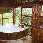 Interior Bathroom/Pezulu Treehouse Game Lodge