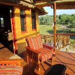 Balcony Mountain View Treehouse/Pezulu tree House Lodge