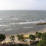 playa frente al decameron