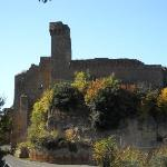 Sovana Romantik Hotel & Resort - Sovana's Aldobrandeschi castle - 13th cent
