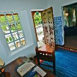 Sierra 14. SIngle guest room vestibule