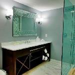 Siena Hotel newly renovated guest bathroom