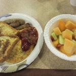 朝食を盛り合わせるとこんな感じです。