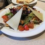Delicious salad amanida