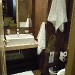 Bathroom @Room 6