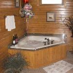 The soooo relaxing hot tub!