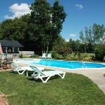 Summer Getaways Pool & Patio