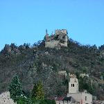 The ruins of Kunringer Castle stand sentinel even today over the town of Durnstein