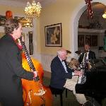 Charlie Ellis Jazz Trio