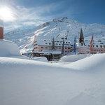 Der Wintertraum auf 1.800m direkt gegenüber der Skipiste - das Arlberg Hospiz Hotel