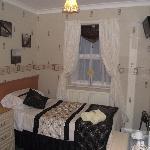 room 5 single