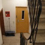 階段とエレベータ