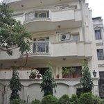 Pratishtha Holiday Inn