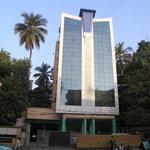 Sahar Garden Hotel