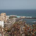 Vista desde residencial la paz, donde se encuentra el hotel. Fondo: lagos Martiánez