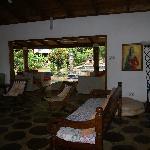 veranda vista dal salotto di villa aranci