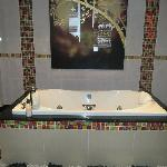 Awesome jacuzzi tub in the Ranad suite
