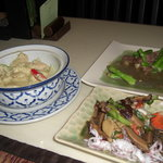 Green Curry with chicken/ Stuffed Squid/ Stir fried duck with aspargus