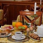 Hotel Golden Rome breakfast