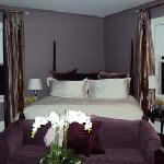 another Kemble Inn room